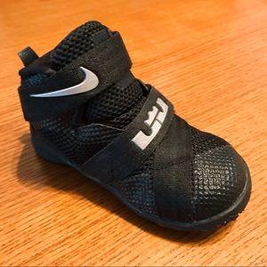Nike LeBron Soldier 9s (Toddler 6C)